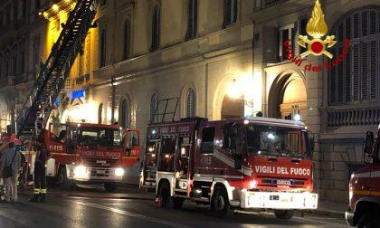 Condizionatore in corto: incendio sul Lungarno Vespucci