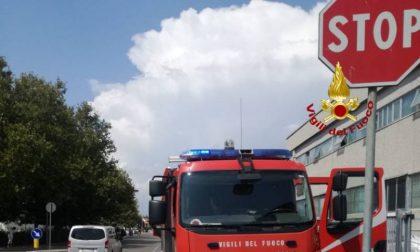 Brucia macchinario: paura in un'azienda della provincia di Prato