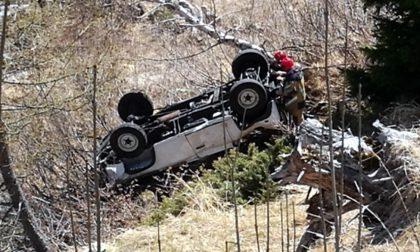 Incidente sull'Appennino fiorentino: auto nella scarpata, un morto e tre feriti