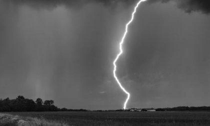 Allerta meteo, codice giallo per temporali e rischio idrogeologico per domani 24 agosto
