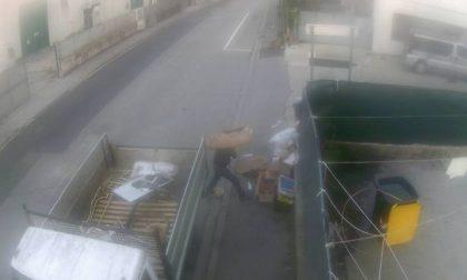 Abbandona rifiuti: incastrato dalle fototrappole