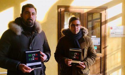 """Gandola e Ciaccheri donano """"Setta di stato"""" alla biblioteca"""