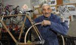 Fare il biciclettaio a 91 anni: la storia del quarratino Nilo Caramelli