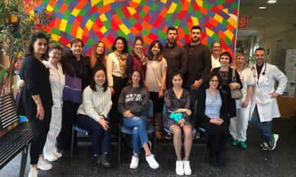Studenti di un college di New York in visita all'ospedale di Pistoia