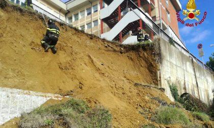 Siena, frana sotto l'ospedale Le Scotte: Vigili del Fuoco in azione