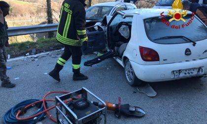 Incidente stradale a Arezzo: estratti due feriti