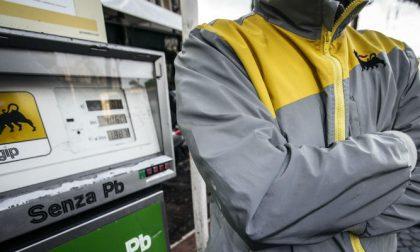 Coronavirus: da domani minacciano di chiudere anche i benzinai