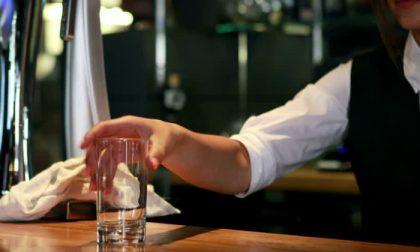 Beve una cedrata al bar ma è una sostanza tossica