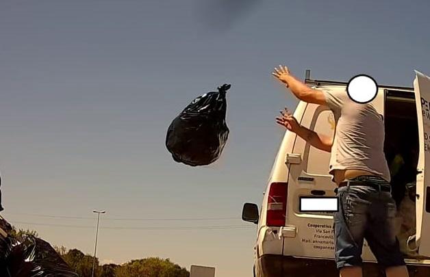 Pugno duro contro i furbetti dei rifiuti: più controlli e più multe