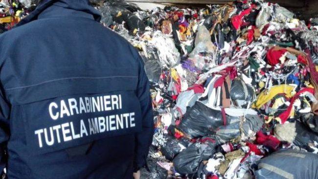 Trasporto illegale di rifiuti a Calenzano: due denunce e un furgone sequestrato