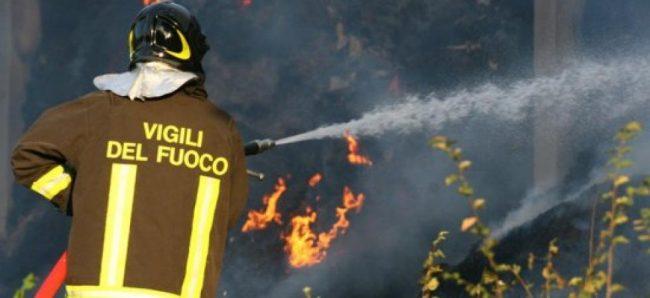 Violento incendio in località Stiappa nel comune di Pescia