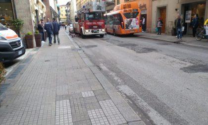 Malore in casa in pieno centro a Pistoia: intervengono Misericordia e Vigili del Fuoco
