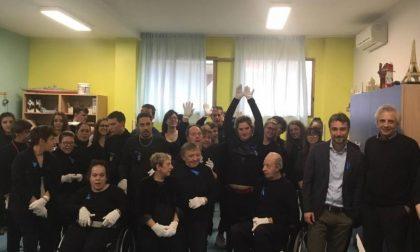 """Il coro """"Mani bianche"""" conquista Sesto Fiorentino"""