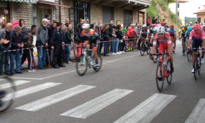Il Giro d'Italia infiamma il pubblico sul San Baronto