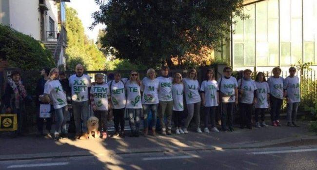 Taglio degli alberi in Viale XX Settembre: un flash mob per protestare