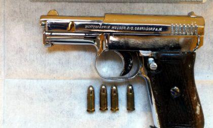 Nasconde pistola in auto: in carcere un cittadino albanese
