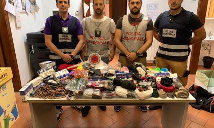 Antiabusivismo, la Municipale sequestra 450 oggetti