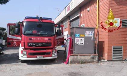 Incendio divampa in un'azienda di Prato