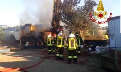 Trivella prende fuoco mentre sta scavando