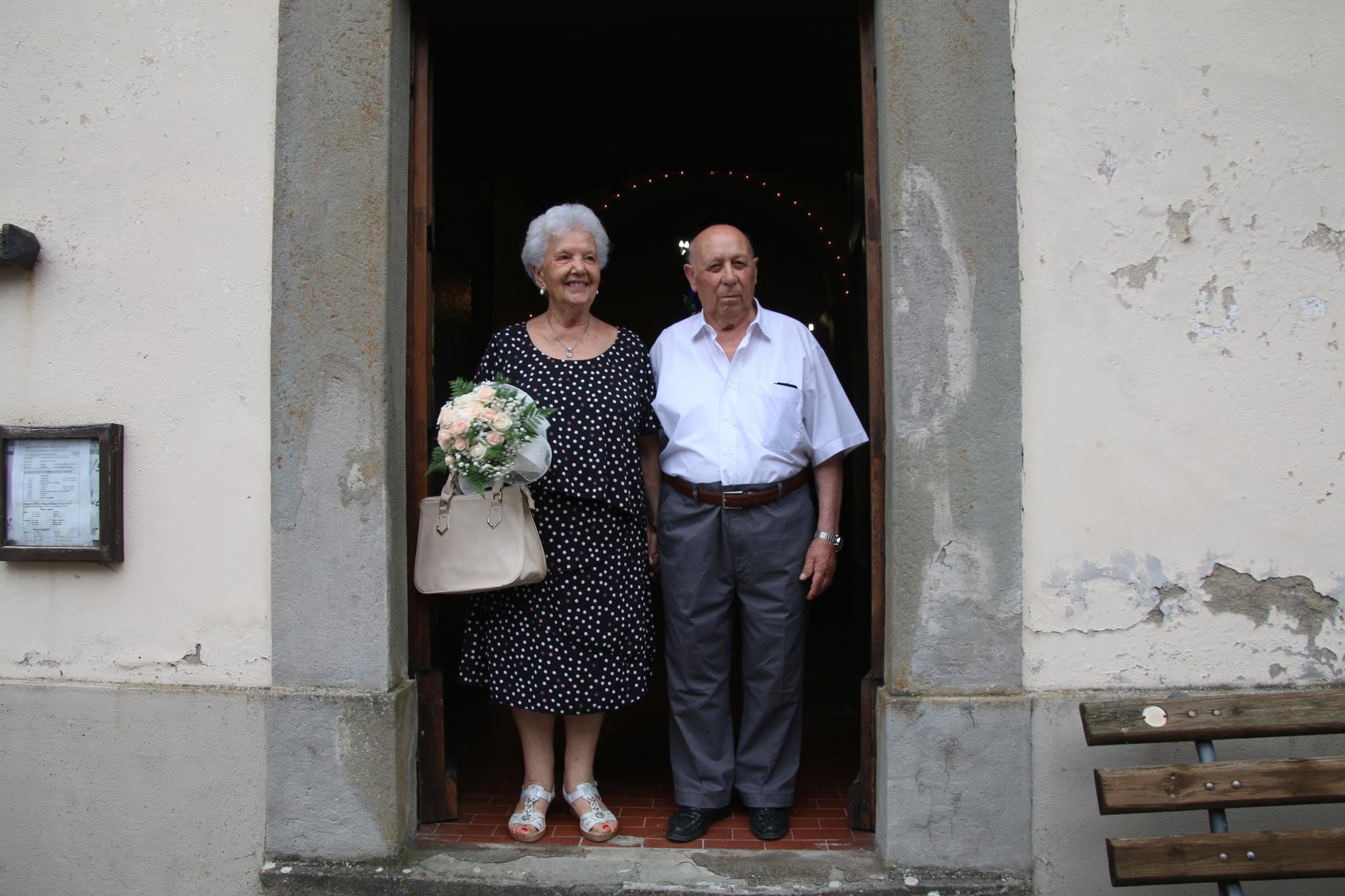 Anniversario Matrimonio Omelia.Choc In Chiesa Chiedono Una Messa Per Il 60esimo Anniversario Di