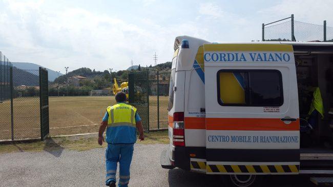 Incidente in via Nuova per Schignano: auto contro ciclista