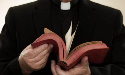 Il prete indagato per violenza sessuale si autosospende