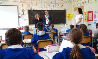 Quarrata, il sindaco Mazzanti in visita nelle scuole del territorio