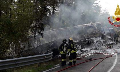 Incendio ad un bus turistico a Castellina in Chianti