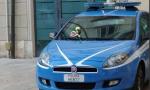 Poliziotti uccisi a Trieste. Rose sulle volanti del Commissariato di Poggibonsi