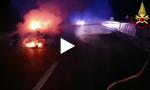 Incidente sulla Siena-Firenze: prende fuoco un'auto VIDEO