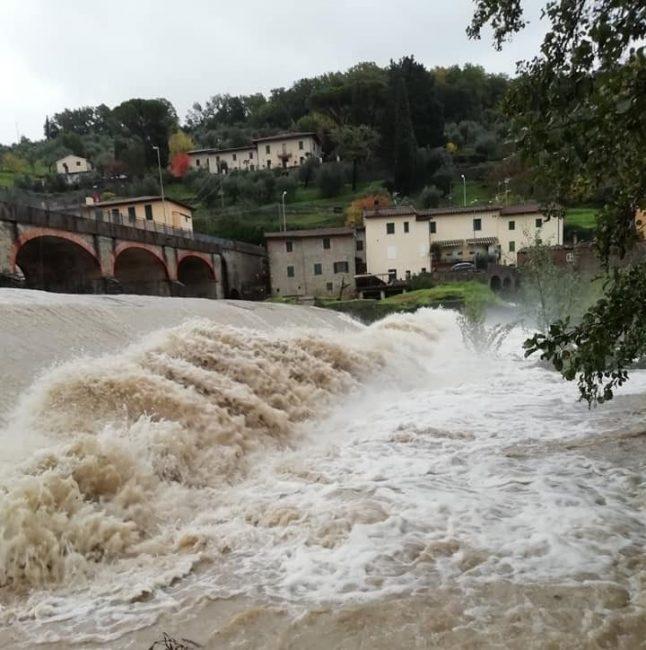 Maltempo, aggiornamento e situazione degli allagamenti: ormai passata la piena dell'Arno a Firenze