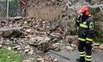Vaiano, crolla un muro in via del Baldino: vigili del fuoco al lavoro