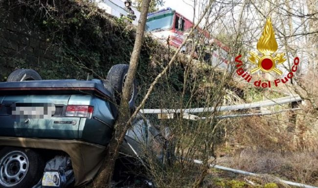 Incidente sulla Chiantigiana: estratto vivo dall'auto