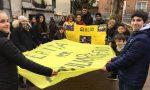 Inaugurata la panchina gialla dedicata a Giulio Regeni