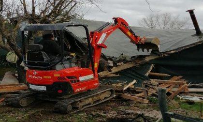 Demolizione manufatti abusivi a Poggibonsi