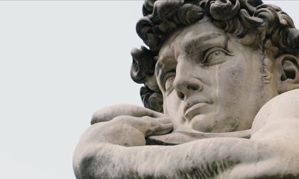 Le statue di Firenze raccontano la città vuota: VIDEO