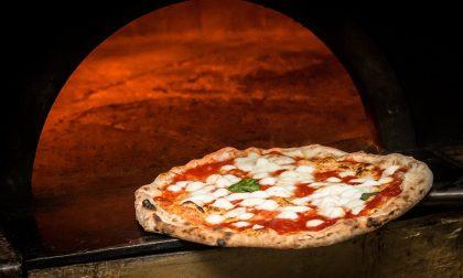 A Firenze arriva la prima pizzeria dove si paga con… i vinili!