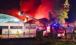A fuoco un capannone all'Osmannoro: sul posto 40 unità dei vigili del fuoco: VIDEO E FOTO