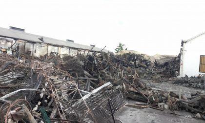 Osmannoro, presenza di amianto nelle coperture crollate durante l'incendio del capannone