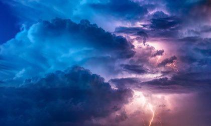 Maltempo, codice arancione per temporali, vento e mareggiate dalle 18 di oggi, giovedì