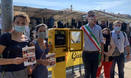 Giullari donano defibrillatore a Poggio