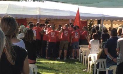 I giocatori della Palla Grossa cantano al funerale di Gianmarco – IL VIDEO