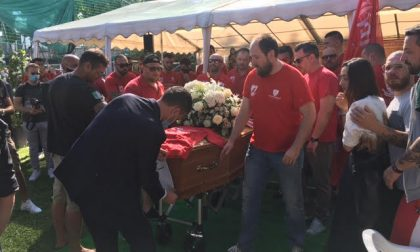 """Dolore e tanta commozione al funerale di """"Giamma"""""""