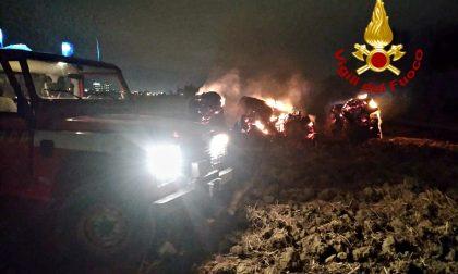 A fuoco rotoballe in via del Pantano a Sesto Fiorentino: nottata intensa per i Vigili del Fuoco