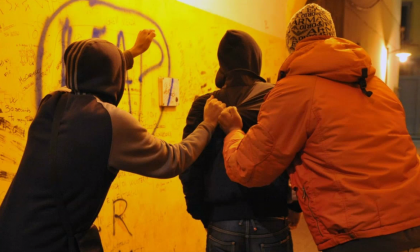 Ancora scontri e minacce tra giovanissimi in due zone diverse di Prato, i giardini di via Picasso e quelli Sacra Famiglia