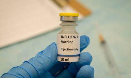 Vaccino over 70: in Toscana apre il portale per prenotare il siero Johnson & Johnson