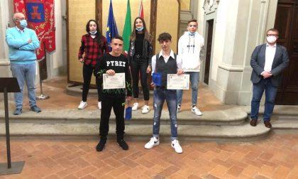 """Due studenti del """"Pertini"""" di Vernio premiati per il loro impegno a scuola"""