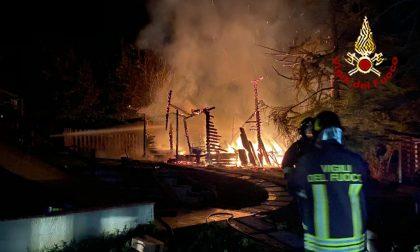 Incendio a Foiano della Chiana: distrutto un annesso agricolo
