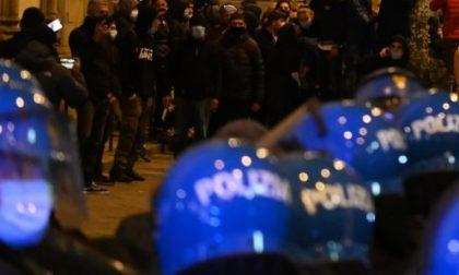 Proteste e scontri a Firenze: manifestazione non autorizzata – LE FOTO