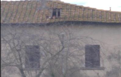 Palagione: adesso crolla anche il tetto. Necessario intervenire urgentemente